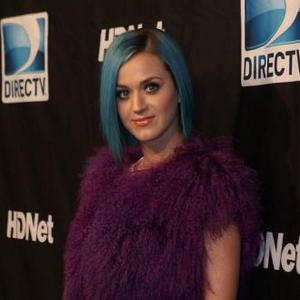 Katy Perry's Chicken Causes Bomb Threat