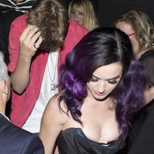 Katy Perry Encourages Pattinson To 'Have Fun'