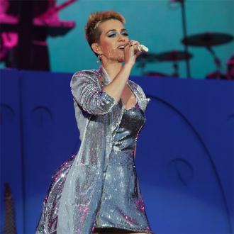 Katy Perry calls for 'peace'