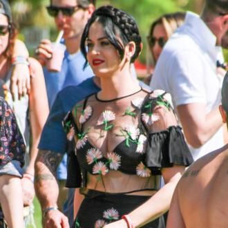 Katy Perry Forced To Walk To Coachella After Van Breakdown