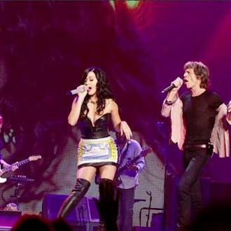 Katy Perry Sings 'Beast Of Burden' With The Rolling Stones