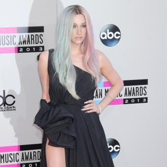 Ke$ha's Mother Checks Into Same Rehab Facility