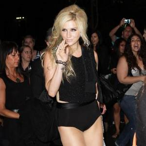Ke$ha Samples Blur's Song 2 On New Record