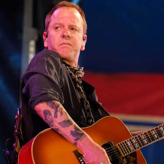 Kiefer Sutherland to continue juggling music and acting careers