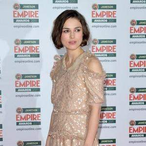 Keira Knightley To Keep English Accent For Anna Karenina