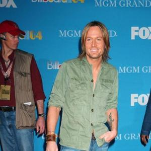Keith Urban's Fragrance Inspired By 'Hard Times'