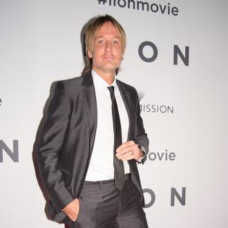 Keith Urban had a prosthetic leg thrown at him by a fan