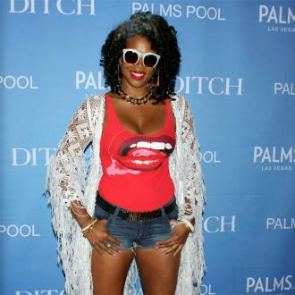 Kelis to cook for her fans