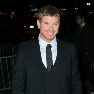 Kellan Lutz Having 'Fun' With Guns On Expendables 3