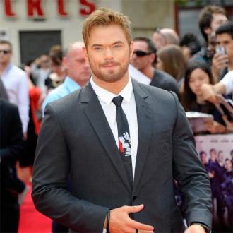 Kellan Lutz's girlfriend poses nude