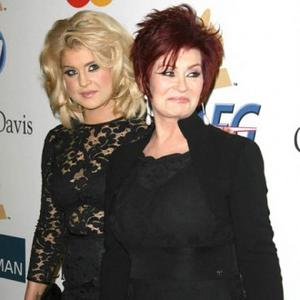 Kelly Osbourne Treats Sharon To Minnelli Song