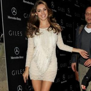 Kelly Brook Likes To Be Red Carpet Ready