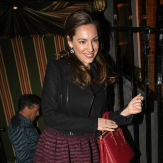 Kelly Brook Has Comedic Curves