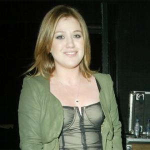 Kelly Clarkson's Mystery Duet