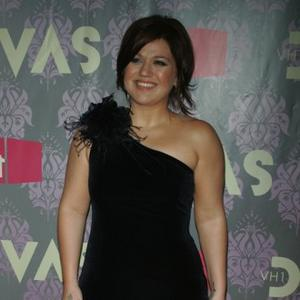 Workaholic Kelly Clarkson