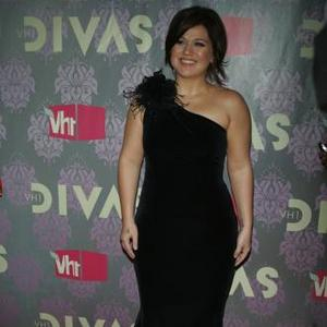 Kelly Clarkson Optimistic About Love