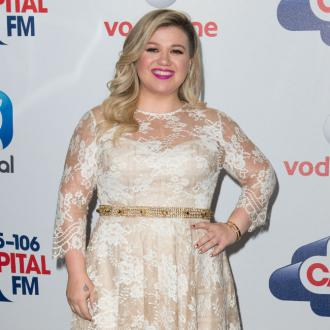 Kelly Clarkson planning 'on being pregnant' by end of the year