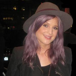 Kelly Osbourne Vomits After Vodka