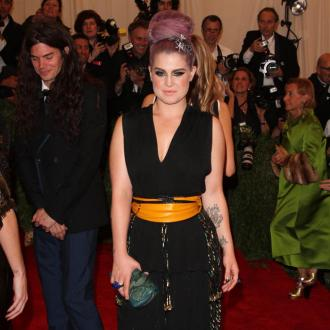 Kelly Osbourne: Put Your Tongue In Your Mouth Miley