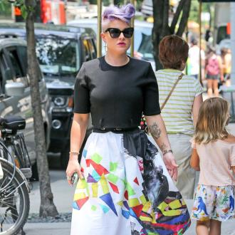 Kelly Osbourne Hit In The Face With Used Diaper
