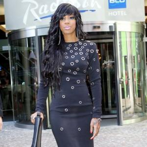 Kelly Rowland Hits Gym For Health