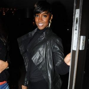 Kelly Rowland Worried About Getting British Accent