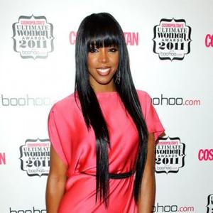 Kelly Rowland Has Bible Rider