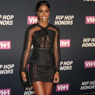 Kelly Rowland wants a second boob job