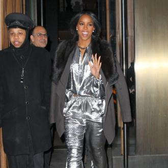 Kelly Rowland Recruits Pharrell For Album