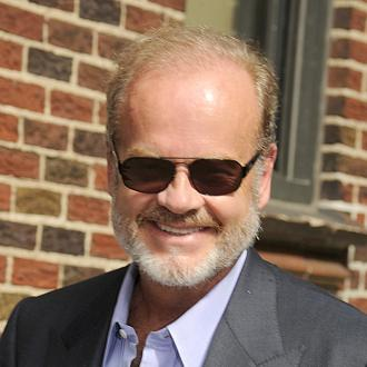 kelsey grammer falling on stage
