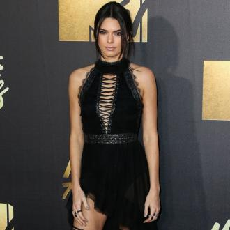 Kendall Jenner likes to bare all