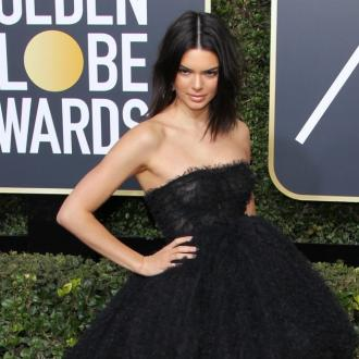 Kendall Jenner won't let sh*t acne stop her