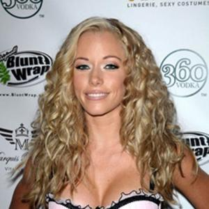 kendra wilkinson naked