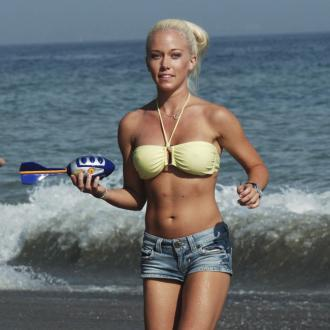 Kendra Wilkinson Feels Confident