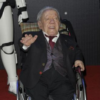 R2-D2 actor Kenny Baker dead at 83