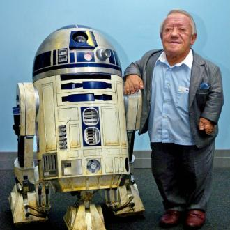 Stars pay tribute to Kenny Baker