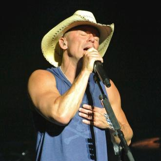 Kenny Chesney won't tour in 2017