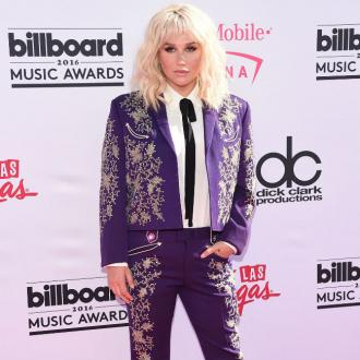 Kesha thanks fans for support