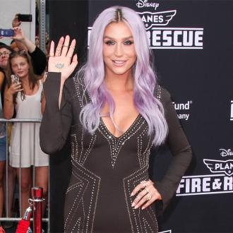 Kesha Blames Media For 'Paranoid' Thoughts