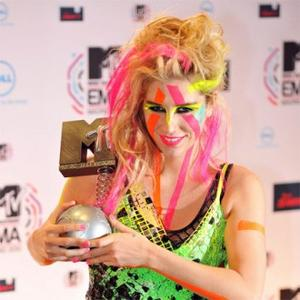Kesha Wins Best New Act At Emas