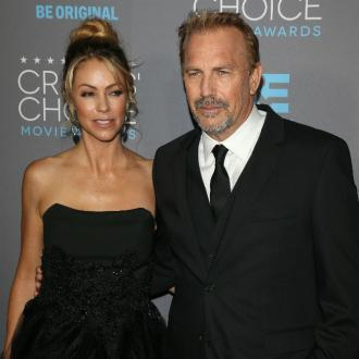 Kevin Costner awards Lifetime Achievement Award