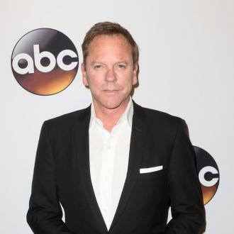 Kiefer Sutherland wrote song about a bar