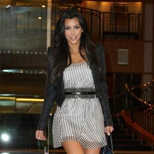 Kim Kardashian Enjoys Romantic Club Night