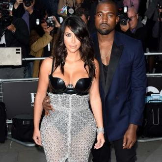 Kim Kardashian And Kanye West Planning Nude Photoshoot Together?