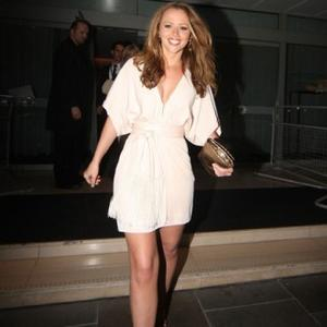 Kimberley Walsh Passes Wind In Front Of Boyfriend