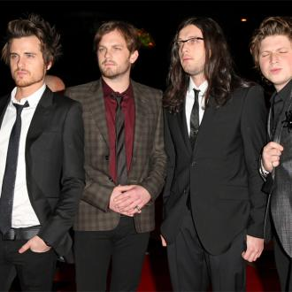 Kings Of Leon Go Unrecognised On The London Underground