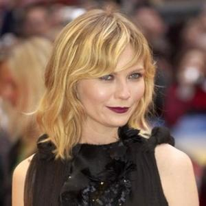 Kirsten Dunst Gets Spring In Her Step From Water