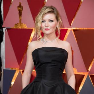 Kirsten Dunst had sleepovers with Elle Fanning