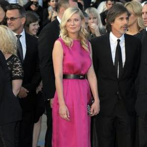 Kirsten Dunst Bans Father From Seeing Bachelorette