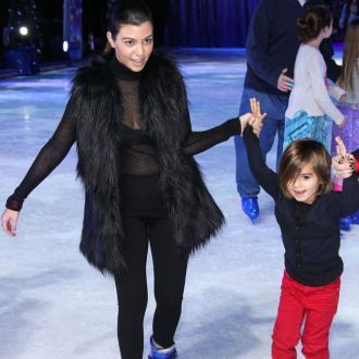Kourtney Kardashian Weighs 120lbs